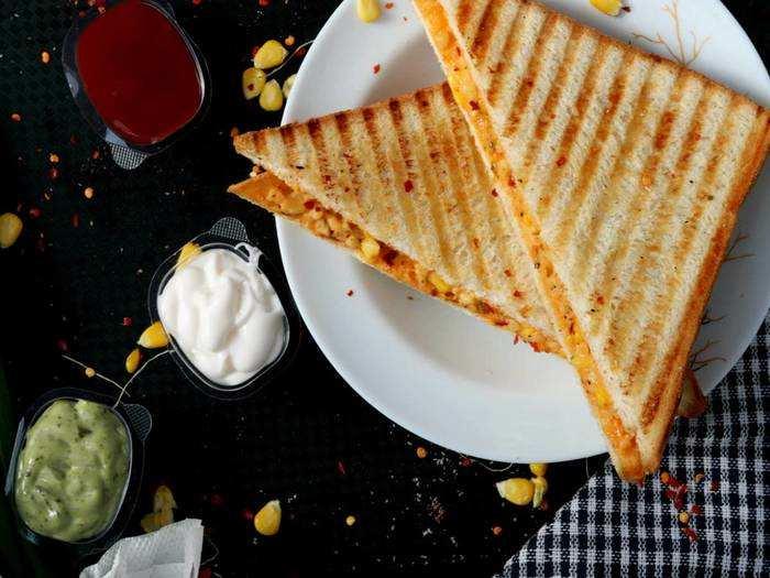 Healthy Breakfast : अब नाश्ता होगा और भी डिलीशियस, इन Sandwich Maker से घर पर बनाएं सैंडविच