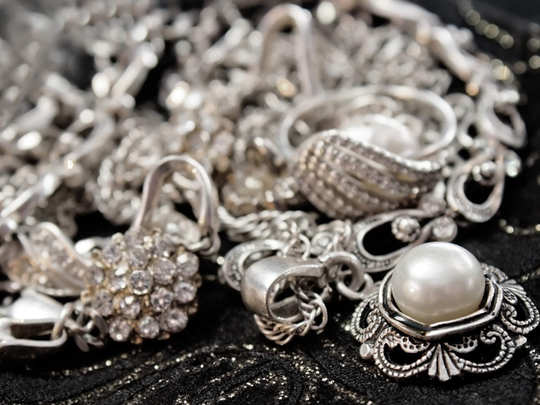 silver price fall along with gold price 25th september bullion market latest update