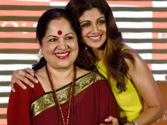 shilpa shetty was not normal child due to bleeding problem in pregnancy to her mother in marathi