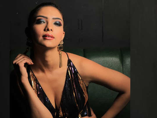 kasautii zindagii kay fame nivedita aka pooja banerjee a national level swimmer watch hot photos and unknown facts about her