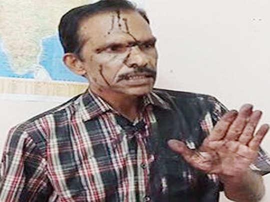 विजय पी नायर के चेहरे पर फेंकी गई कालिख