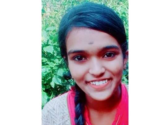 Kottayam Girl Lightning Death