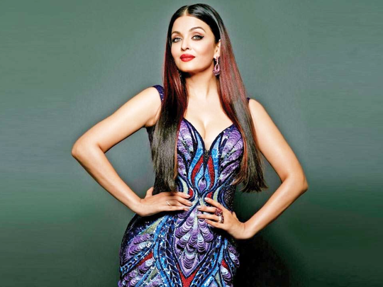 aishwarya rai bachchan trolled for wear same dress at every wedding