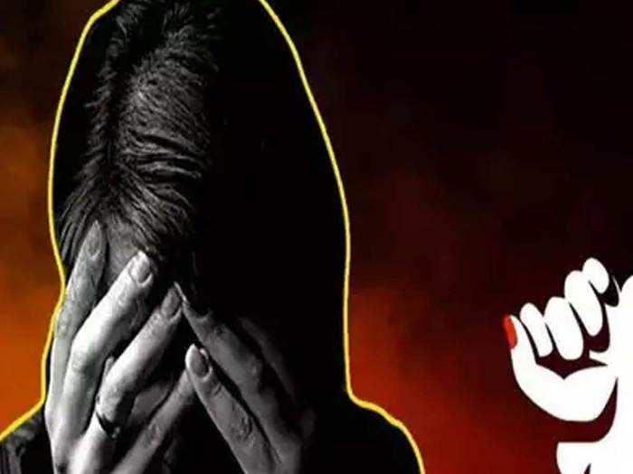 मध्य प्रदेश: १६ वर्षीय मुलीवर सामूहिक बलात्कार, रस्त्यावर फेकले
