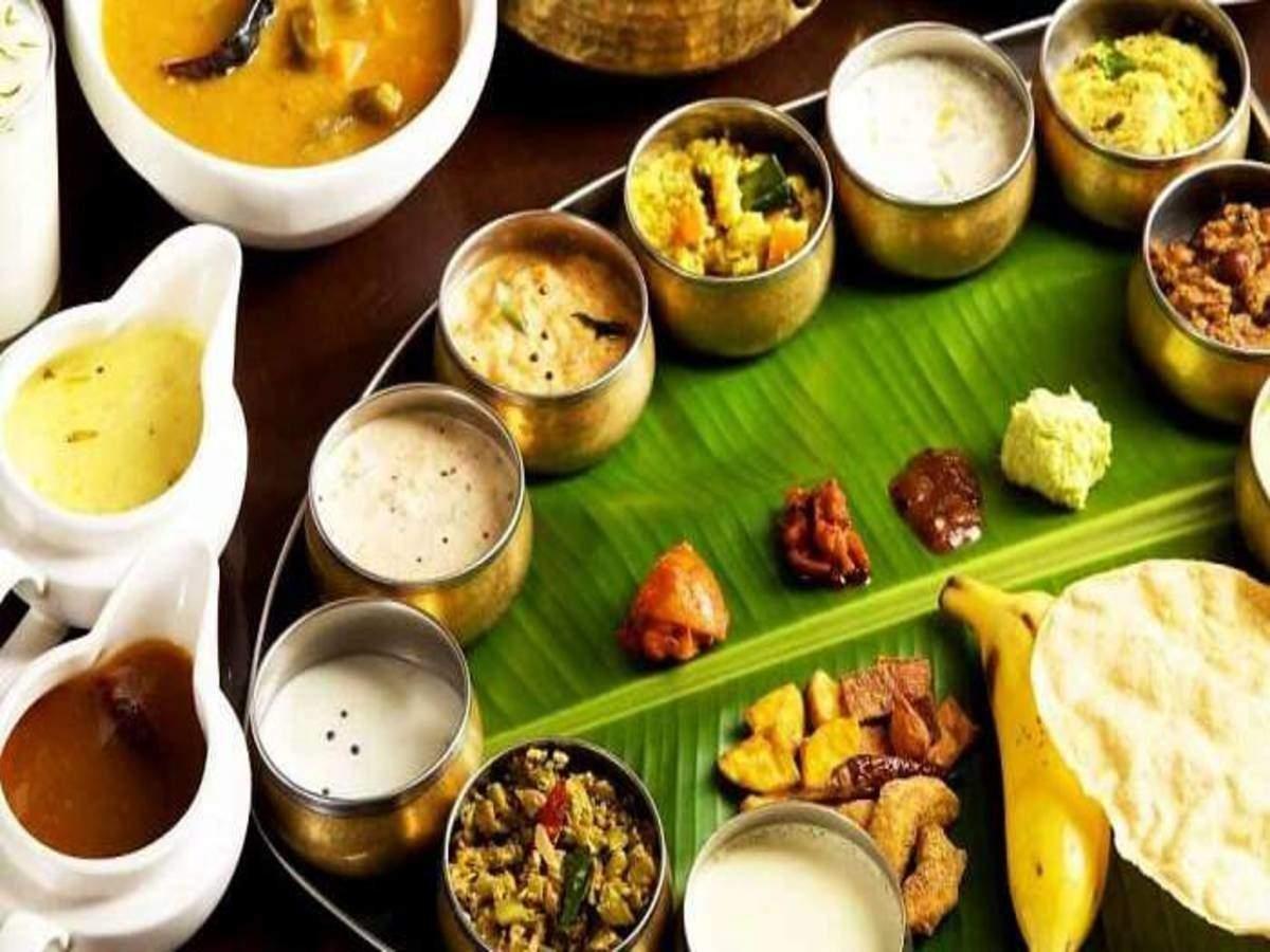 food vastu: இந்த திசை நோக்கி அமர்ந்து சாப்பிட்டால் ஆரோக்கியம் அதிகரிக்கும்  தெரியுமா? - auspicious direction to get wealth and health to eating food as  per vastu | Samayam Tamil