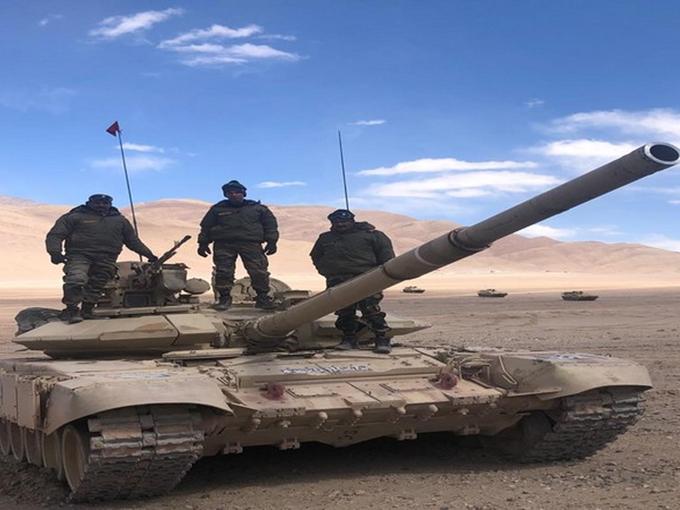 LAC के पास भारत ने तैनात किया T 90 भीष्म टैंक