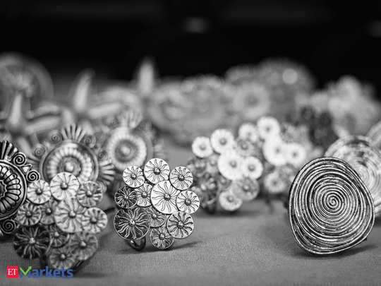 silver price fall more than rs. 150 tuesday 6th october bullion market latest update