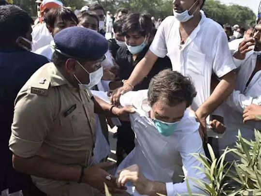 पुलिस के साथ झड़प के दौरान लड़खड़ा गए थे राहुल