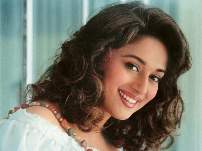 bollywood actress madhuri dixit popular jacket look from raja movie is versace brand copy in Marathi