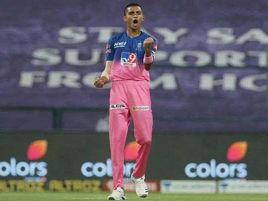 Kaun Hai Kartik Tyagi? Know About Kartik Tyagi 19 Years Old From Hapur Making Debut In IPL Rajasthan Royals - हापुड़ के तेज गेंदबाज कार्तिक त्यागी का IPL में डेब्यू, भुवनेश्वर-प्रवीण के