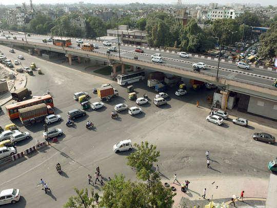 Delhi traffic news : आश्रम चौक से भोगल की ओर जा रहे हैं तो आपके लिए ये खबर जानना है जरूरी