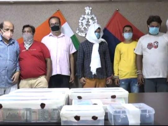 पुलिस गिरफ्त में आरोपी सट्टेबाज