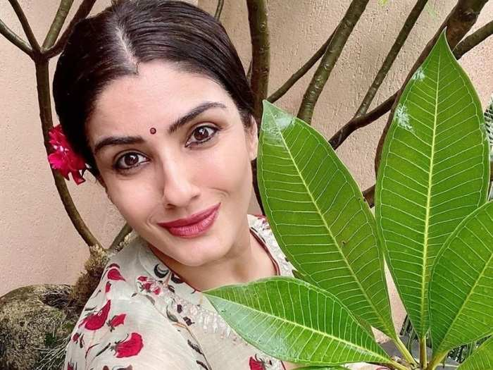 amla benefits for hair raveena tandon shares natural remedy to prevent hair fall in marathi