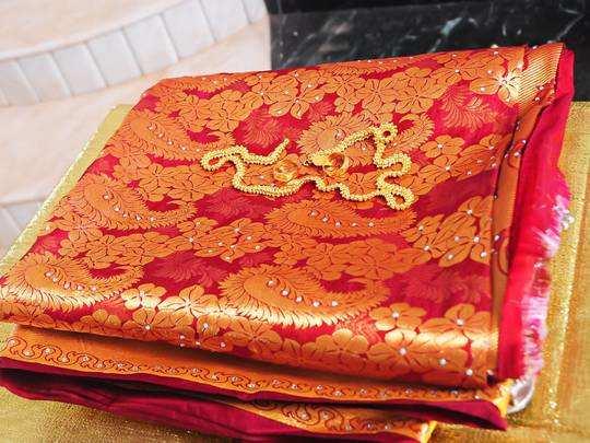 Saree On Amazon : 80% तक की छूट पर खरीदें ये रंग बिरंगी डिजाइनर Saree