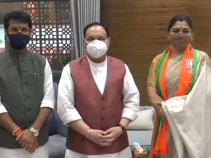 बीजेपी में शामिल होते ही पार्टी अध्यक्ष जेपी नड्डा से मिलीं खुशबू सुंदर