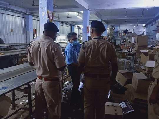 Alwar News : देशी शराब की आड़ में अवैध रूप से अंग्रेजी बनाने का भंडाफोड़, जयपुर तक मचा हड़कंप !