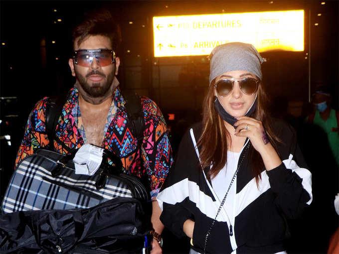 एयरपोर्ट पर नजर आए पारस छाबड़ा और माहिरा शर्मा, कपड़े देख लगा ये क्या पहन लिया