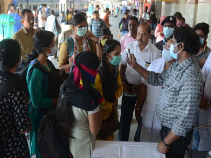 भारत में घटी कोरोना मरीजों की संख्या