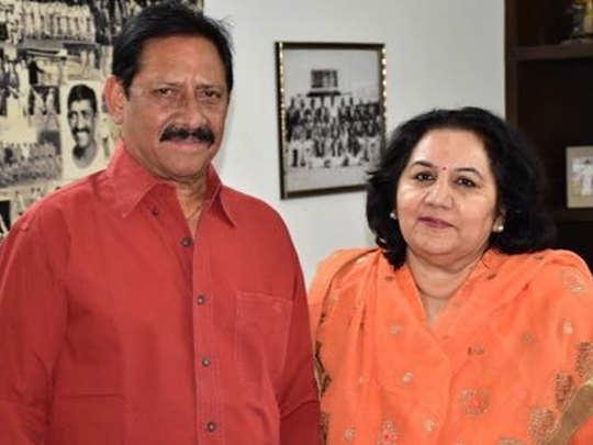नौगवां सादात से चेतन चौहान की पत्नी संगीता चौहान को टिकट