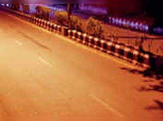 मध्यरात्री २ वाजले होते, निर्मनुष्य रस्त्यावर ते रिक्षामध्ये बसताच...(फाइल फोटो)