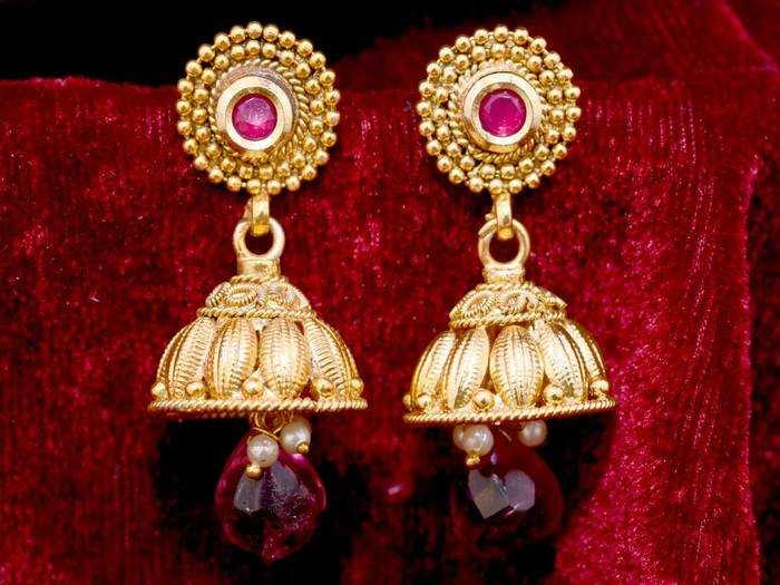 Amazon Sale : स्टनिंग लुक के लिए 50% तक के डिस्काउंट पर खरीदें ये Women Earrings, ज्वेलरी पर भी मिल रहा शानदार ऑफर