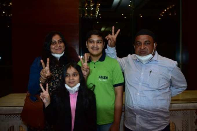 Soyeb Aftab with family