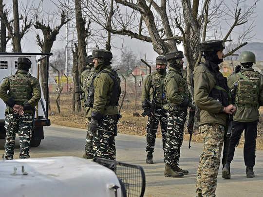 काश्मीर: चकमकीत दहशतवादी ठार