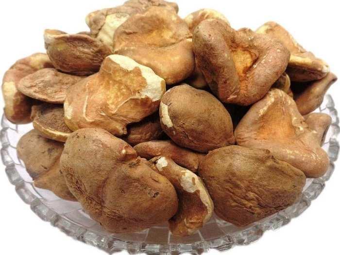 water chestnut flour or singhara flour eating benefits during navratri fasting in marathi