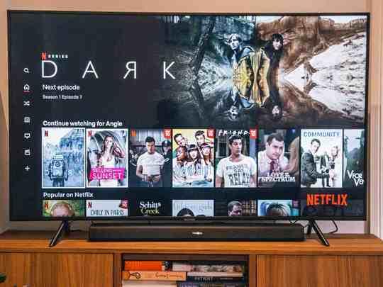 Smart TV On Amazon : Smart TV पर मिल रहा है बंपर ऑफर! होगी हजारों रुपए की बचत