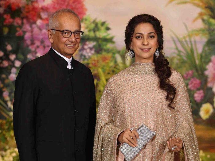 why juhi chawla kept her marriage secret in marathi