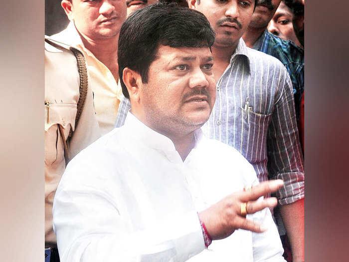 सोलापुर बाढ़: bjp will protest against government if compensation not given  to farmers: दरेकर ने किसानों की मदद न होने पर आंदोलन की बात कही - Navbharat  Times