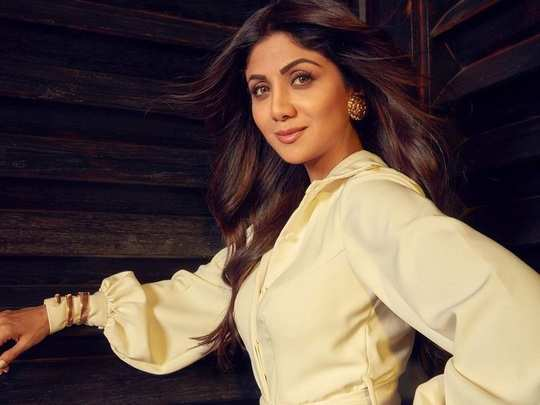 bollywood actress shilpa shetty mismatched sneakers style in marathi