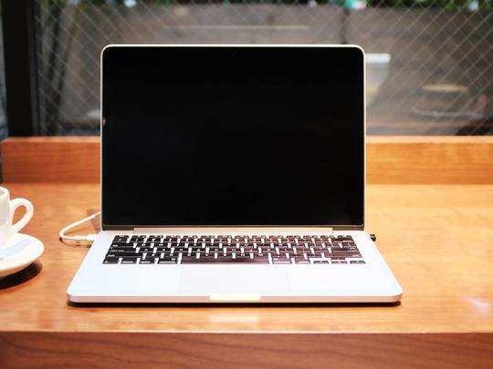 Laptop On Amazon : Heavy Work और Gaming के लिए यहां से खरीदें दमदार Laptop, मिल रही है विशेष छूट