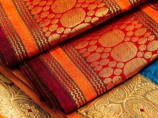 Saree For Women : आने वाले त्योहारों के लिए आज ही खरीद लें ये Saree, बस दो दिन में खत्म होने वाली है सेल