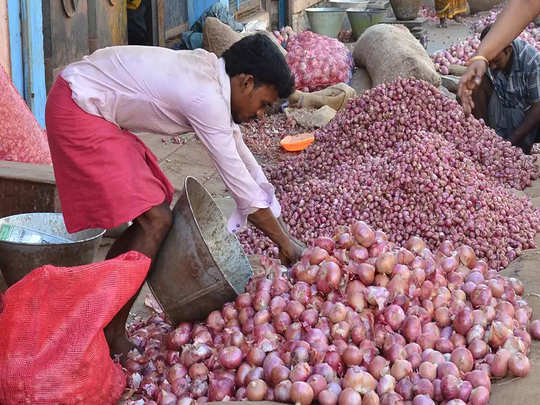 onion prices see jump over last one month, bengaluru records four-fold hike