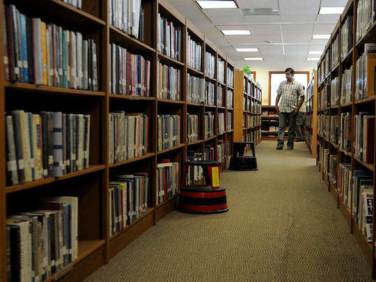 ग्रंथालय, अभ्यासिकांचे दार बंदच