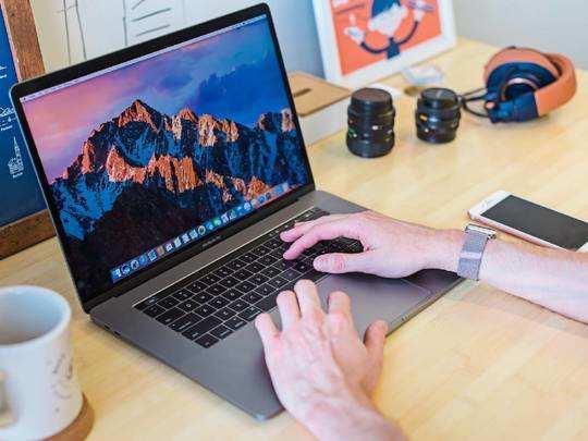 Laptop on Amazon : Amazon Sale से हैवी डिस्काउंट पर आज ही खरीद लें ये बेहतरीन Laptop, फिर नहीं मिलेगा ऐसा मौका
