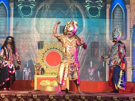 manoj tiwari seen as angad in ayodhya ram leela