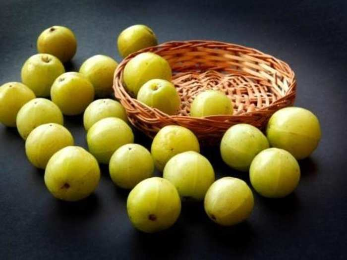 natural remedies tips how to apply amla face pack for healthy skin in marathi