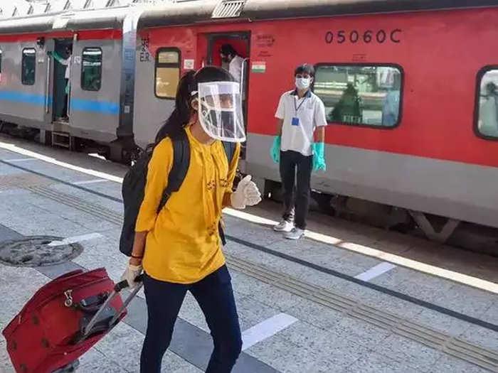 सणासुदीच्या दिवसांसाठी विशेष ट्रेन