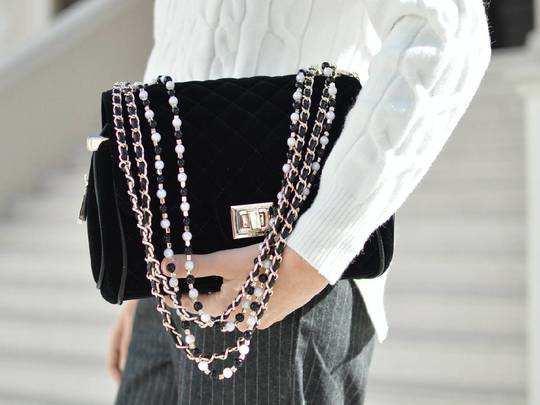 Women Handbags On Amazon : लेटेस्ट फैशन के Women Handbags को सस्ते में खरीदने का दोबारा मिल रहा है मौका