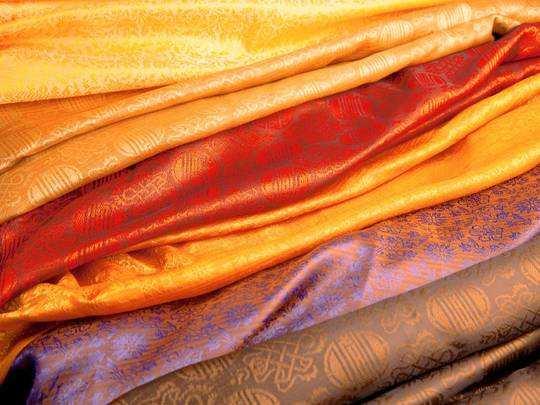 Festival Shopping : दोबारा शुरू हो गई सेल, दीपावली के लिए मात्र 200 में खरीदें सिल्क साड़ी