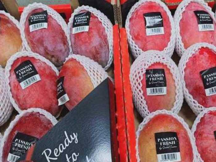 वाशीच्या बाजारात स्पेनचा आंबा!