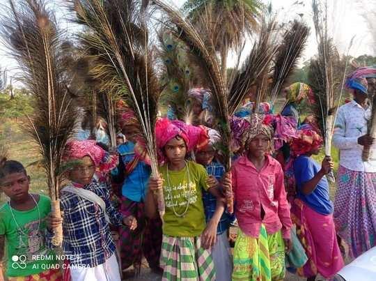 Jharkhand News: झारखंड में धूमधाम से मनाया गया दासांय पर्व, शिष्यों ने दी गुरु को दक्षिणा
