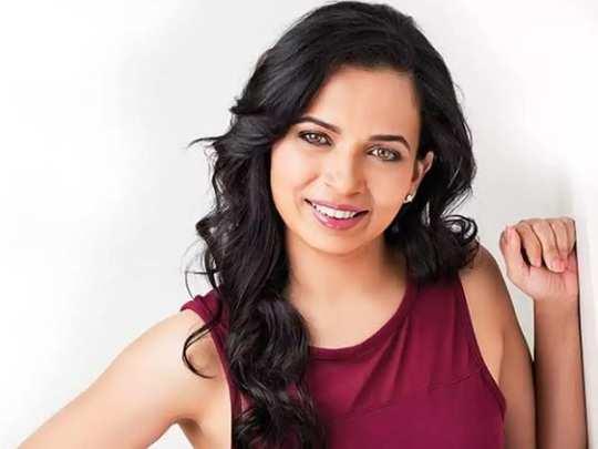 celebrity and actress kareena kapoor dietician rujutu diwekar diet plan for childrens in marathi