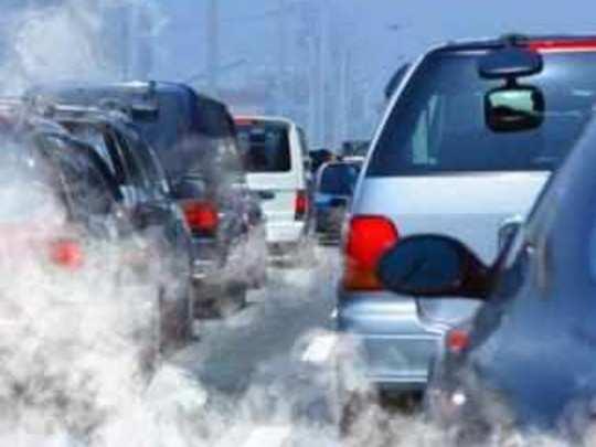 वाहनांचा धूर टाकतोय प्रदूषणात भर