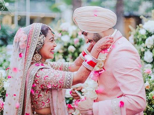 neha kakkar shares best clicks of her life from her fairy tale gurudwara wedding with rohanpreet