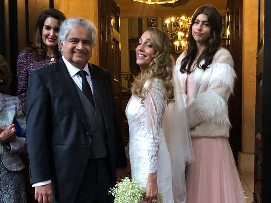 supreme court lawyer harish salve marries with his london based artiste friend