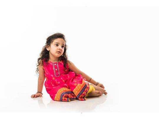 आपकी गुड़िया रानी पर खूब जचेगी ये रंग बिरंगी Frock, छूट पर खरीदें Amazon Sale से
