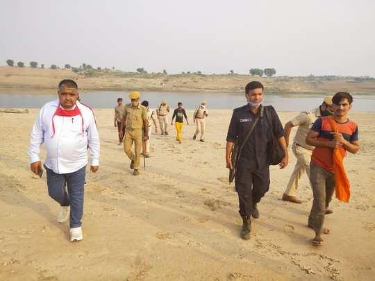 Dholpur: इनामी डकैत केशव गुर्जर का तलाशी अभियान जारी, पुलिस ने की इनाम राशि बढ़ाने की तैयारी , ताकि मिले अहम जानकारी